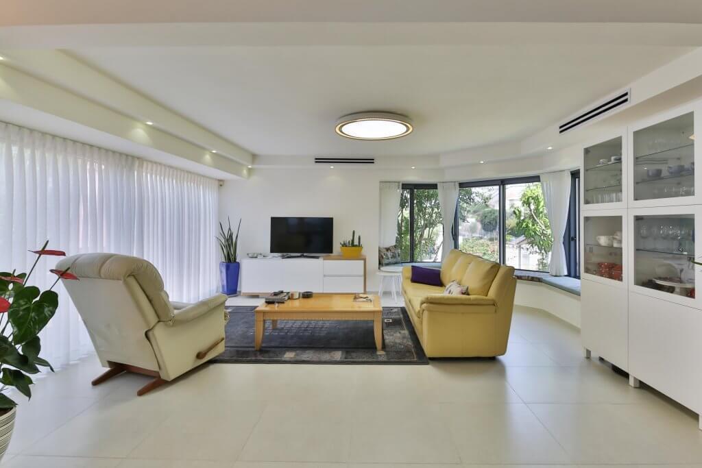חדר מגורים מודרני