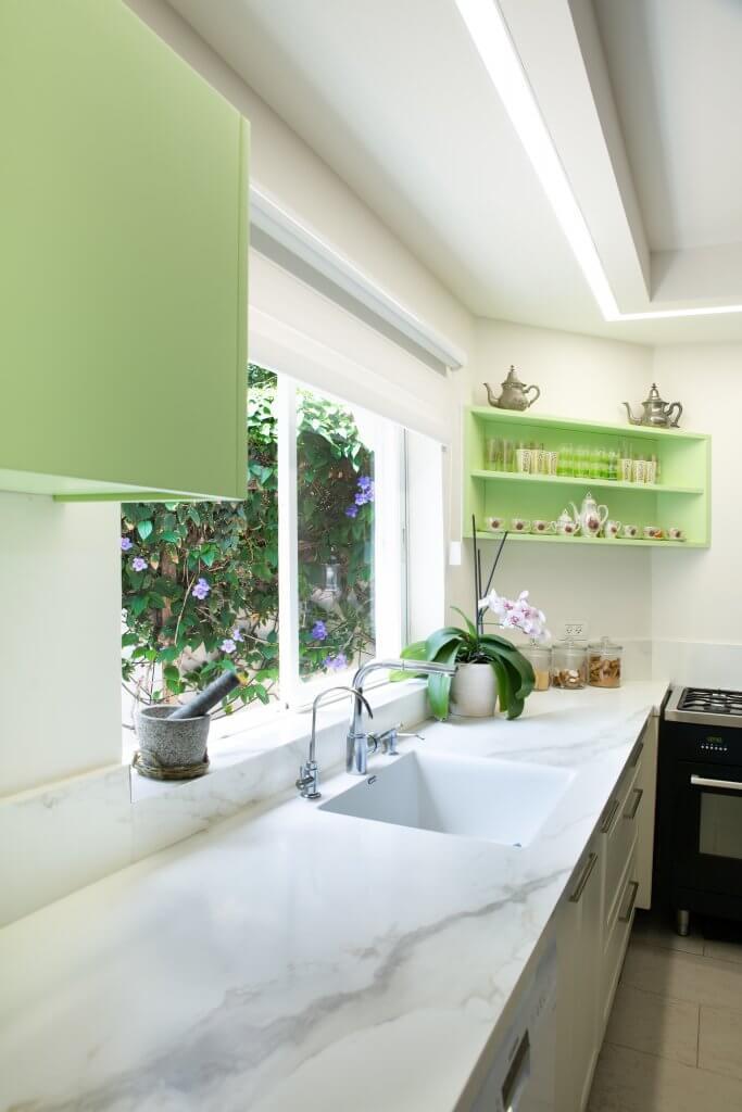 p14 kitchen